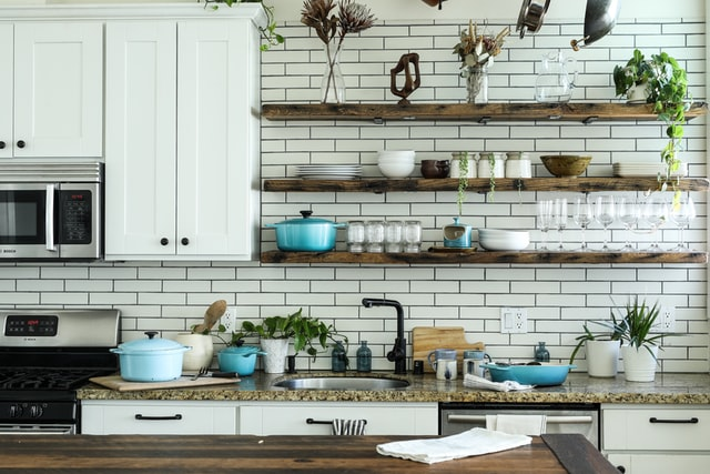 Kitchen Cabinets Designs for Small Kitchen
